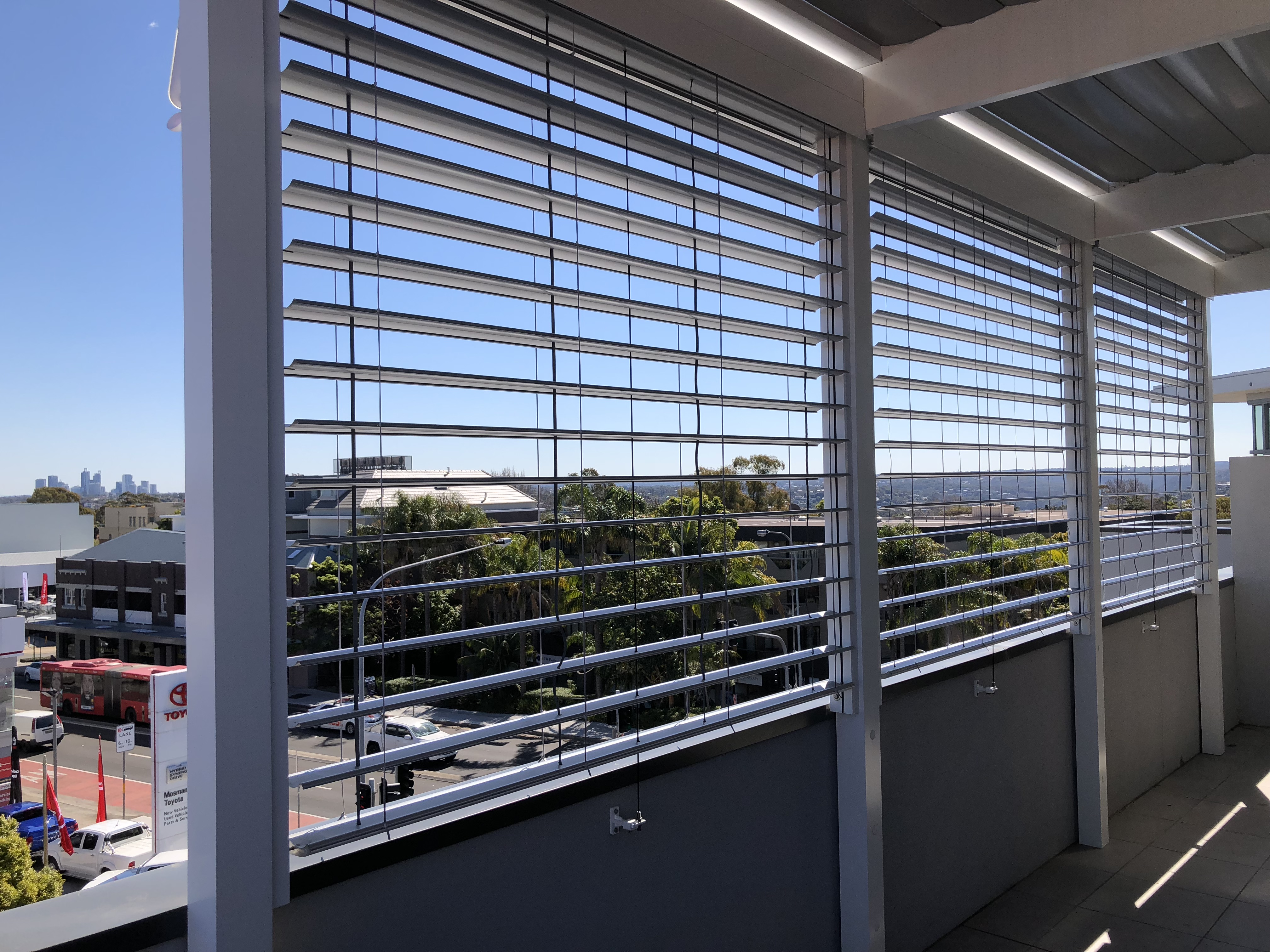External Venetian Blinds H3 white balcony 2