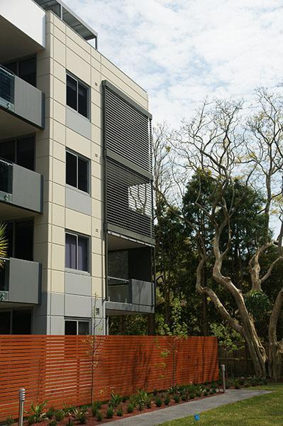 meriton-balcony-4300mmw-x-3200h-facade-mount-2